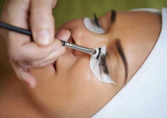 Eyelash Tinting at VL Aesthetics