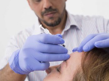 A VL Aesthetics' Doctor Administering Botox to the Forehead